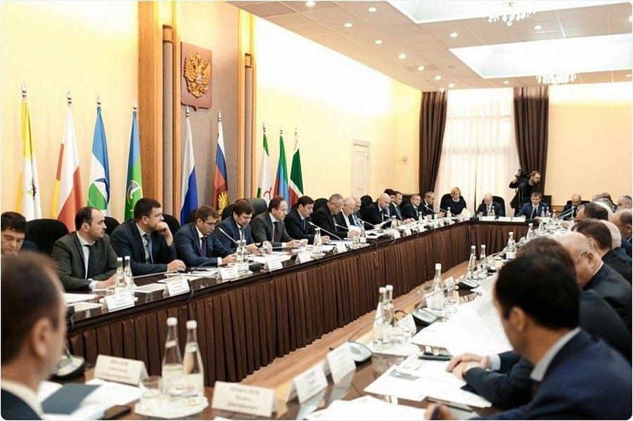 Александр Хлопонин подвел результаты работы комиссии поТЭК субъектов СКФО