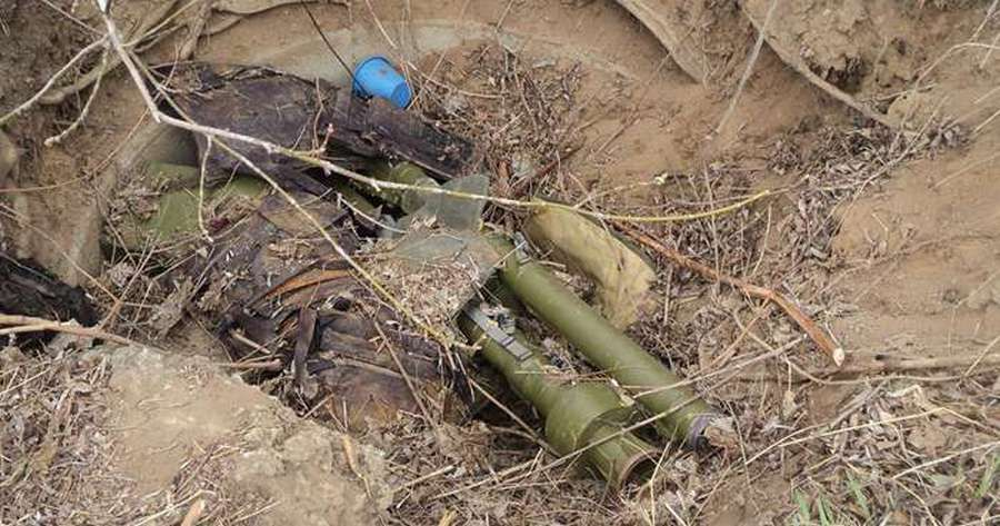 В одном из районов Чечни обнаружены два крупных тайника с оружием и боеприпасами