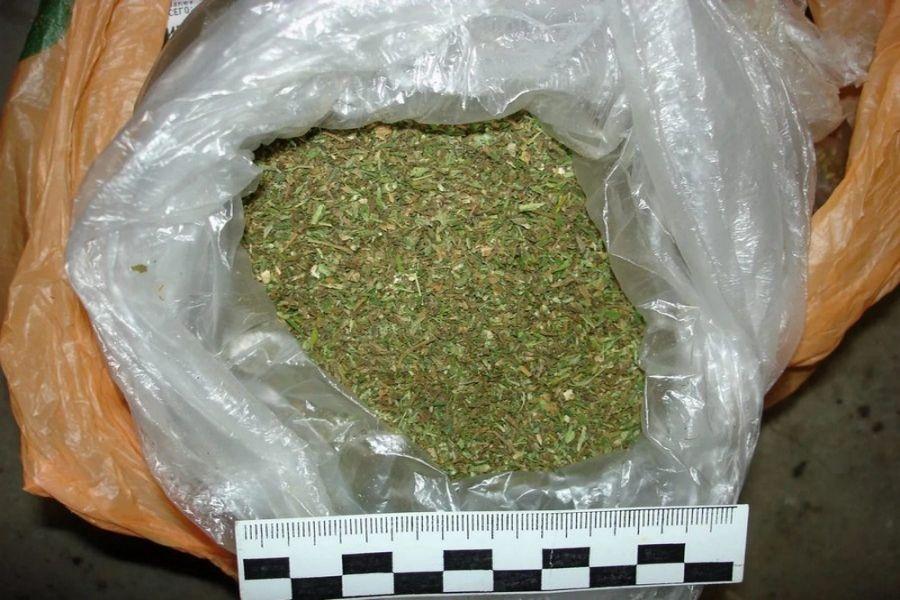 Полицейские выявили 5 фактов незаконного хранения наркотиков