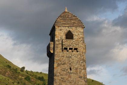 На фото: Башня в селении Итум-Кали