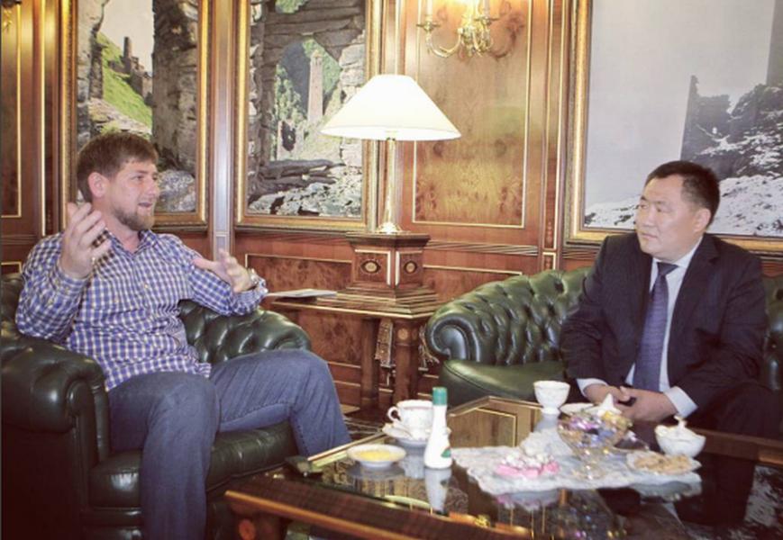 Рамзан Кадыров поздравил с днем рождения Главу Республики Тыва Шолбана Кара-оол