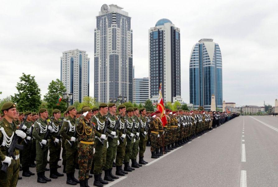 В Грозном прошла первая репетиция участников парада Победы 9 мая