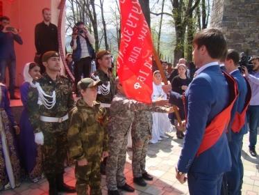 Эстафета «Знамени Победы» дошла до Веденского района