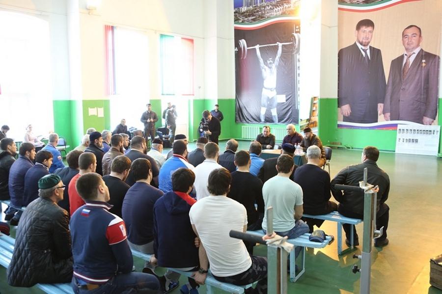 Министр ЧР по физической культуре и спорту пообщался со спортсменами