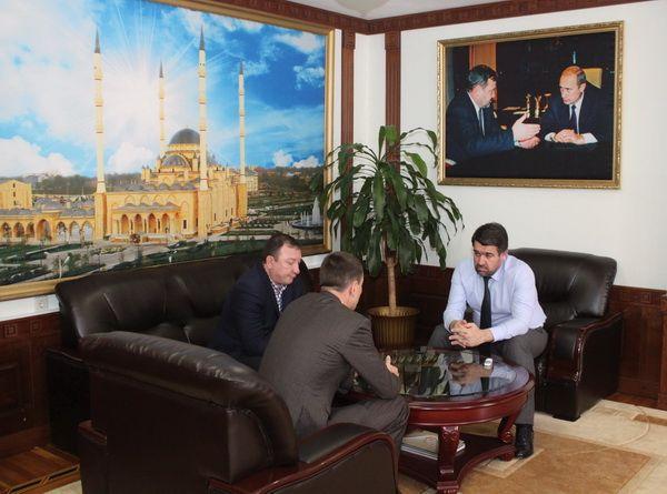 В Грозном обсудили вопросы по обеспечению граждан жильем