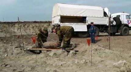 Работники МЧС вЧечне обезвредили обнаруженную под землей авиабомбу весом 500кг