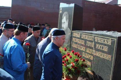 На фото: Памятник А.А. Кадырова / Фото автора