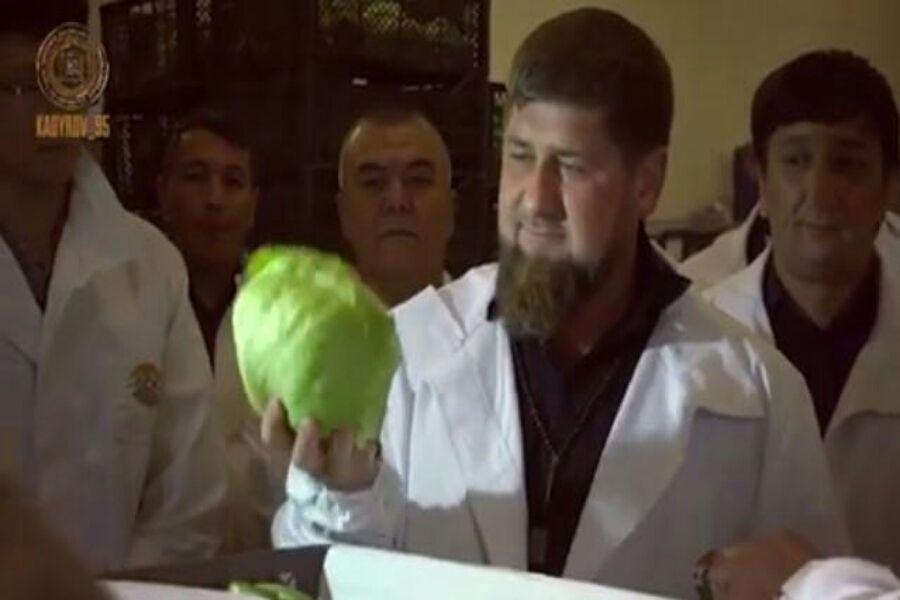 Глава ЧР посетил два крупных предприятия Ташкента