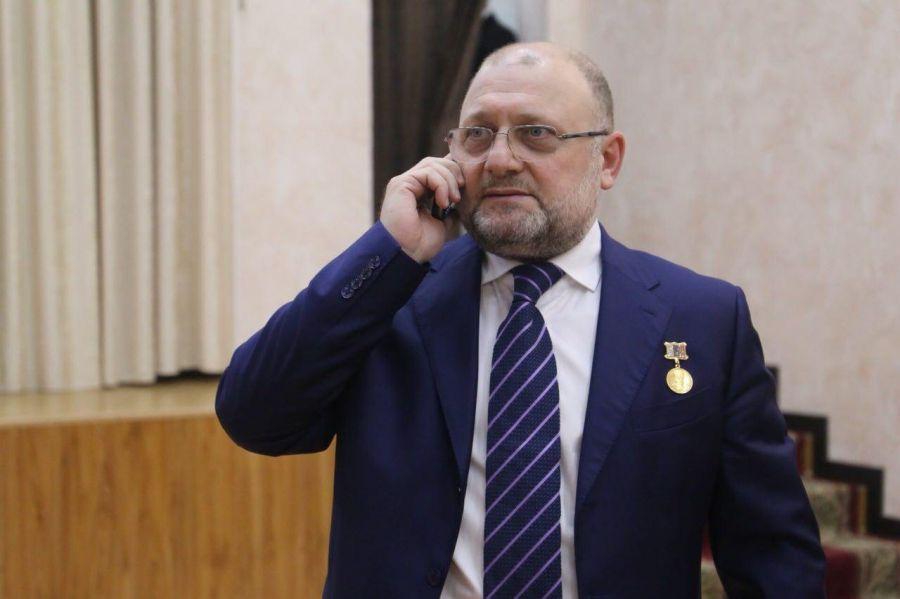 Вопросы журналистов о возрасте и профессиональном опыте Хас-Магомеда Кадырова неуместны,- Джамбулат Умаров