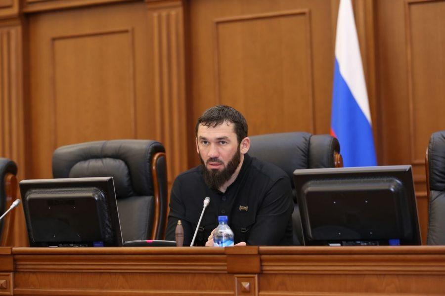 М. Даудов в преддверии выборов призвал депутатов активизировать разъяснительную работу с населением