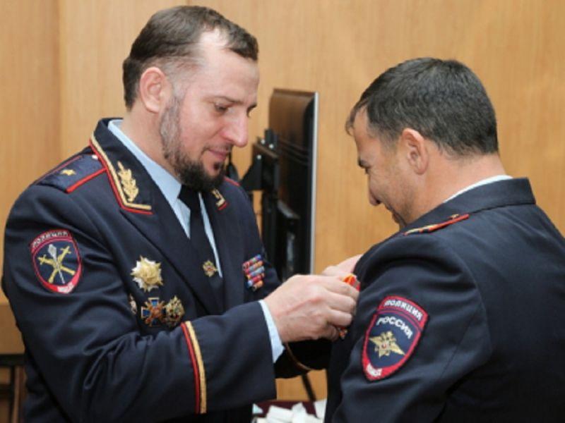 В Чечне лучшие участковые уполномоченные полиции удостоены ведомственных наград