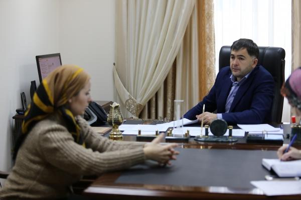 Депутат Госдумы РФ Магомед Селимханов провел прием граждан в Грозном