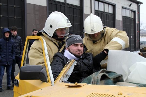 В Чечне определена лучшая пожарно-спасательная часть по ликвидации последствий ДТП