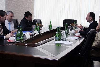 Участники собрания / Хава Хасмагомадова