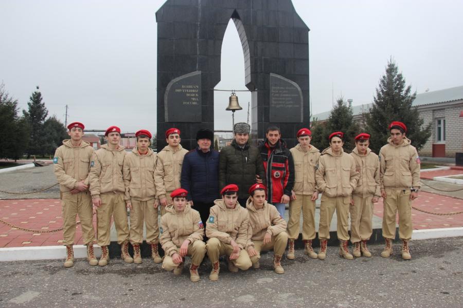 Юнармейцы посетили войсковую часть в Урус-Мартане