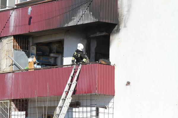В Грозном при пожаре в многоквартирном доме спасены пять человек