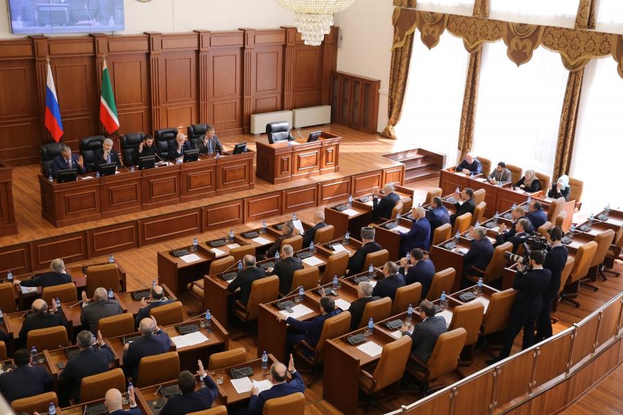 Магомед Даудов призвал депутатский корпус усилить работу по разработке социально-значимых законов
