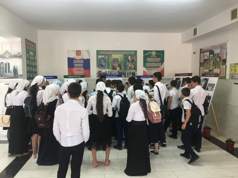 Нацмузей провел выездную выставку в Доме культуры Курчалоевкого района