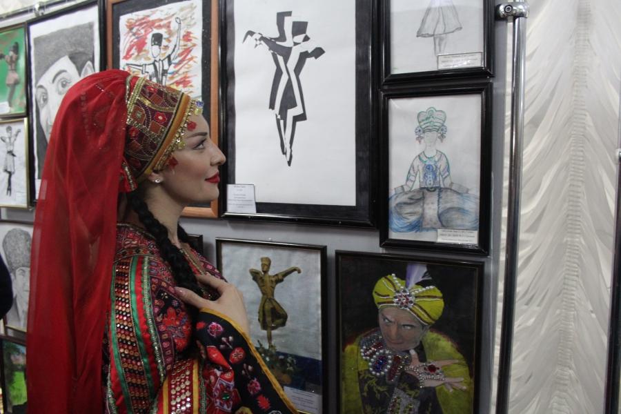 Международный фестиваль-конкурс танца имени Махмуда Эсамбаева проходит вЧечне