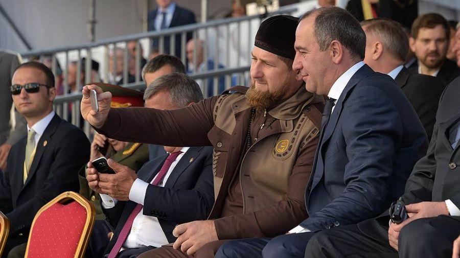 Глава Чечни поздравил с днем рождения Рашида Темрезова