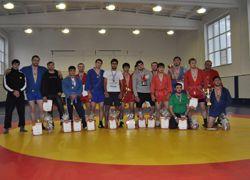 Сотрудники МЧС Чеченской Республики завоевали золото в Северо-Кавказских соревнованиях по самбо