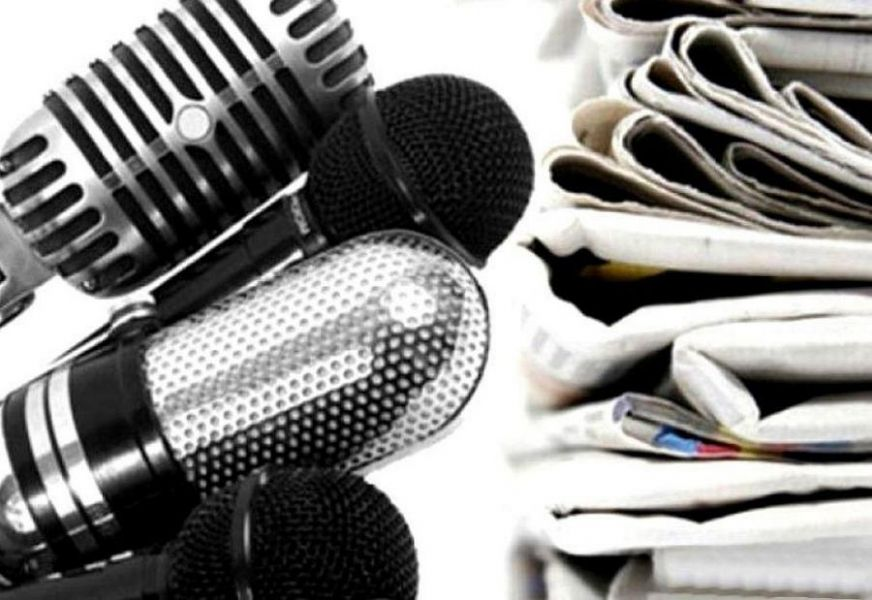 Журналисты обращаются к журналистам