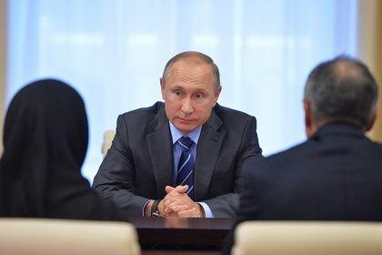 Путин вручил звезду героя родителям погибшего Магомеда Нурбагандова