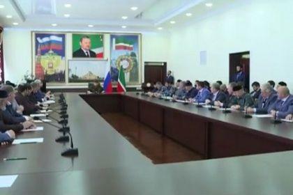 Р. Кадыров провел совещания с главами районных и городских администраций