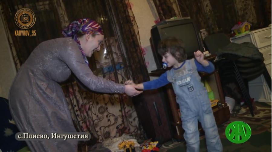 Глава Чечни рассказал об оказываемой РОФ им. Ахмата-Хаджи Кадырова помощи маленьким детям