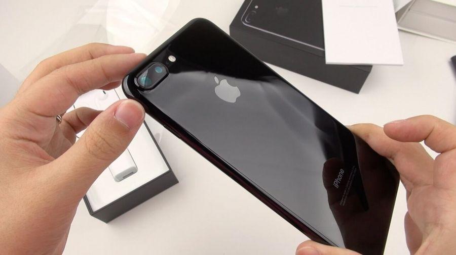 Самый дорогой iPhone 7 Plus упал вцене на40%