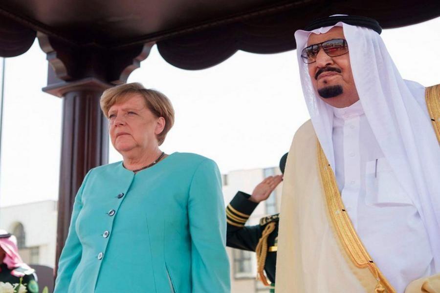 Ангела Меркель воздержалась от покрытия головы в Саудовской Аравии