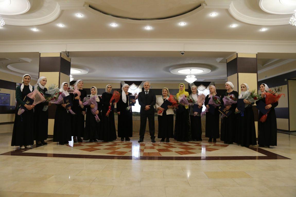 Муслим Хучиев поздравил работников дошкольного образования с профессиональным праздником