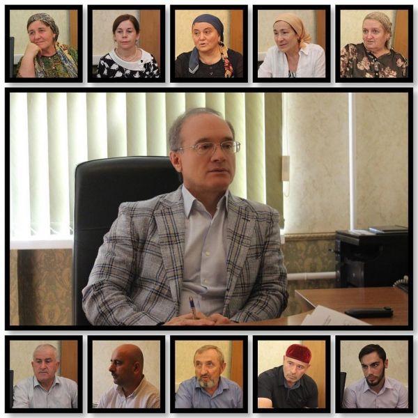 Жилищный вопрос, трудоустройство, защита прав: эти и многие вопросы прокурор Чечни обсудил с гражданами республики