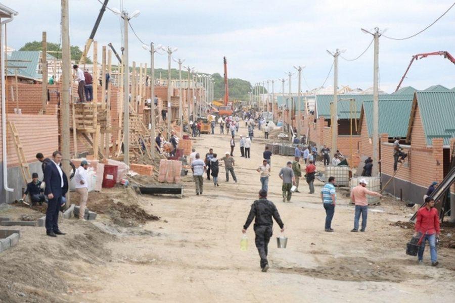 В п. Ойсхар возводятся дома для малоимущих семей