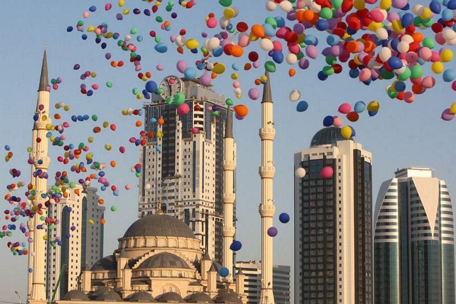 3-7 октября в Грозном торжественно отпразднуют День города, День учителя и День молодежи