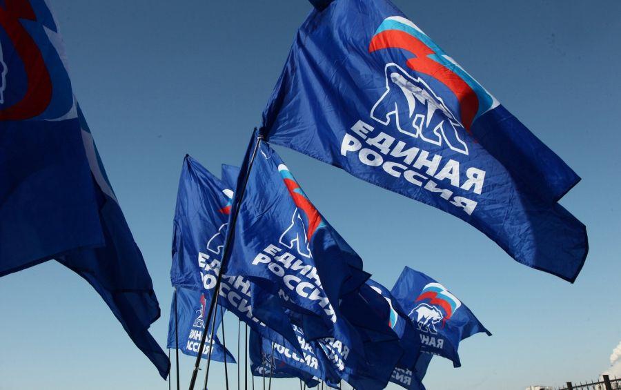 «Единая Россия» проведет мониторинг развития санитарной авиации в регионах