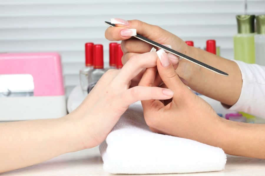 Минздрав ЧР напоминает об опасности заражения при проведении процедур в салонах красоты