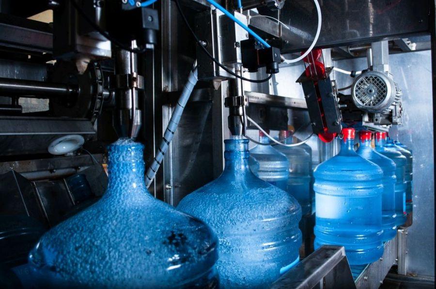 Роскачество выявило нарушения в 20% бутилированной воды