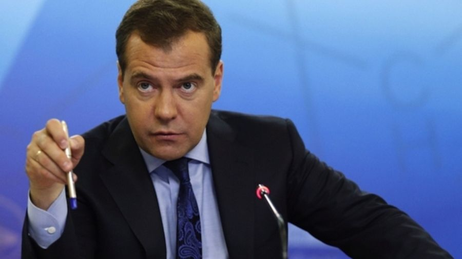 Премьер-министр России обязал граждан страны косить траву