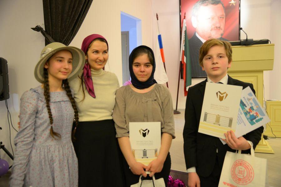 ВГрозном подытожили регионального этапа Всероссийского конкурса молодых чтецов «Живая классика»