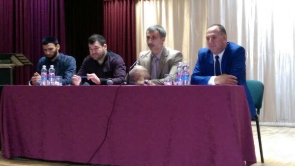 Депутаты активизировали разъяснительную работу с молодежью