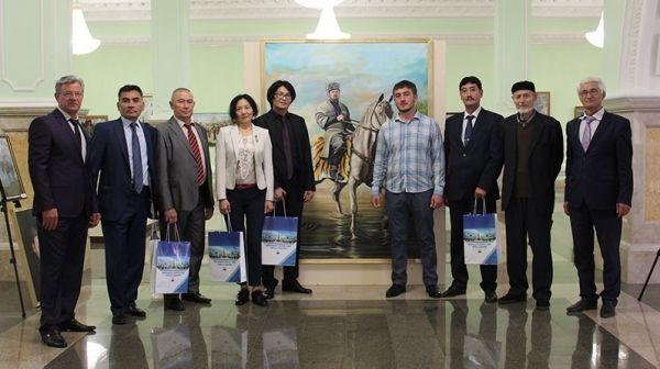 «Рассвет»Ермурата Ерхасана - известный казахский художник нарисовал картину к юбилеюРамзана Кадырова