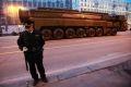 Движение транспорта ограничат вечером в центре Москвы из-за репетиции Парада Победы