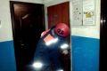 Чеченские спасатели деблокировали дверь квартиры, где находилась пенсионерка