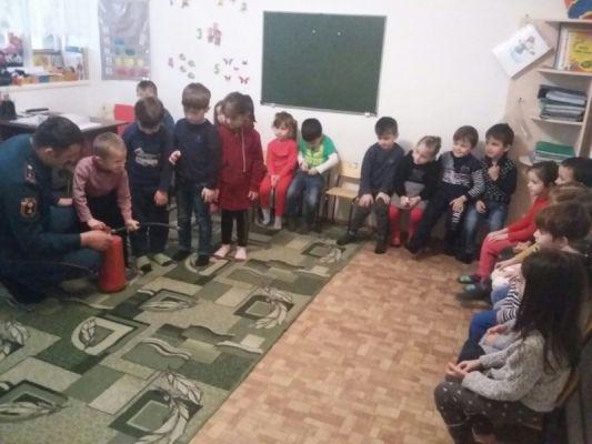 Дошколят города Шали обучили действиям в случае пожара