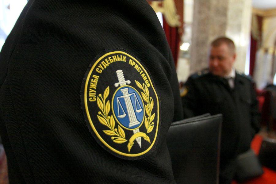 В Чечне осудят бывшего судебного пристава за хищение 900 тысяч рублей