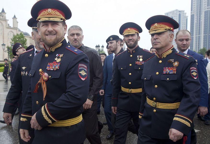 Рамзан Кадыров поздравил сотрудников органов внутренних дел РФ с профессиональным праздником