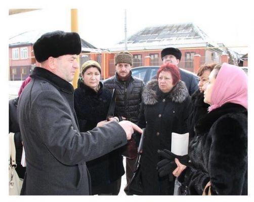 Врачи из регионов России провели беседу с жителями Урус-Мартана