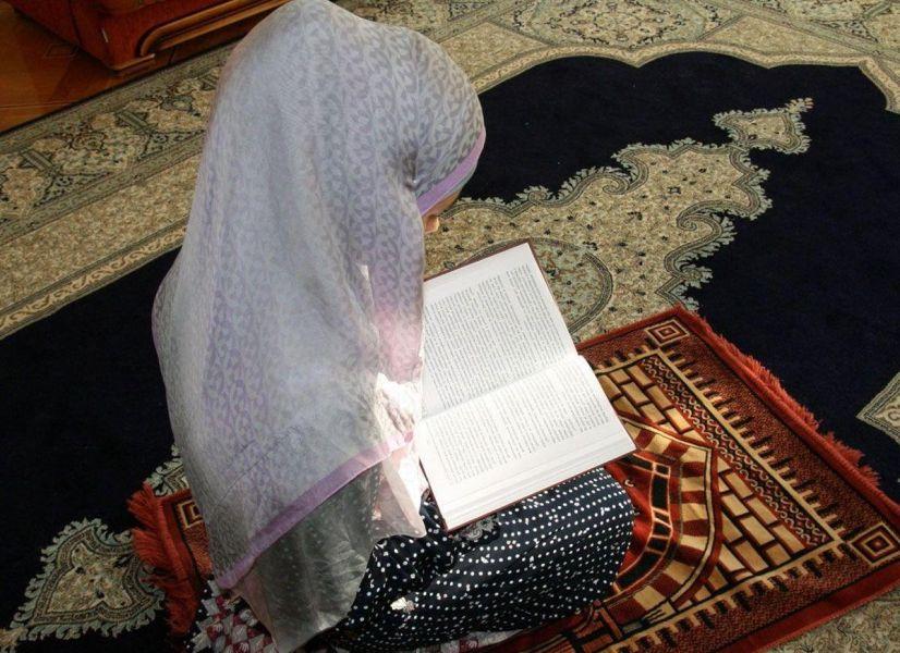 Невеста покорила сердца пользователей соцсетей чтением Корана