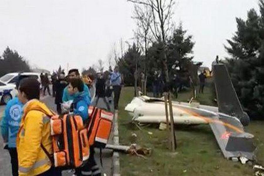 В Стамбуле упал вертолет
